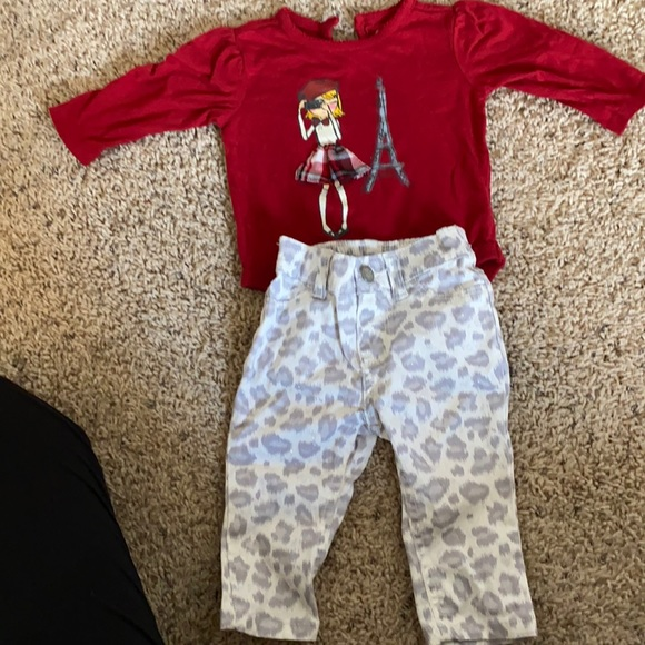 The Children's Place Baby girl set size 6-9 mos